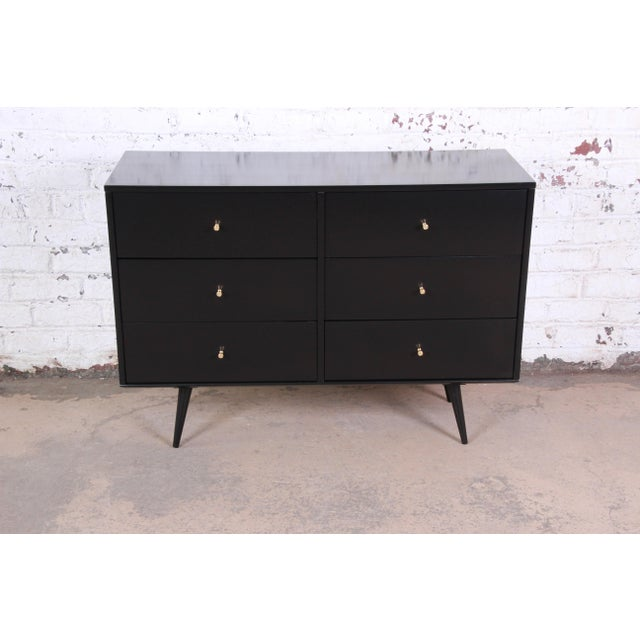 Contemporary Paul McCobb Black Lacquered Planner Group Six-Drawer Dresser For Sale - Image 3 of 12