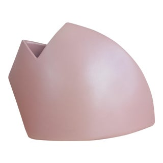 1980s Modernist Abstract J Johnston Salmon Pink Sculptural Vase Signed For Sale