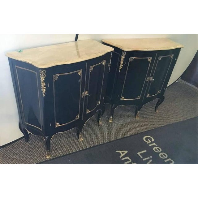 Pair of Louis XV Style Cabinets Commodes or Nightstands in the Manner of Jansen For Sale In New York - Image 6 of 9