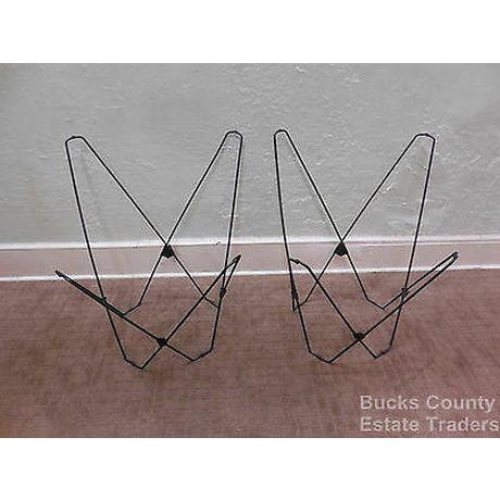 Mid Century Modern Pair of Folding Iron & Canvas Butterfly Chairs For Sale In Philadelphia - Image 6 of 13