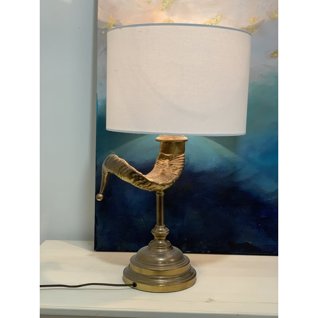 Mid 20th Century Vintage Ram Horn Brass Table Lamp For Sale - Image 5 of 7