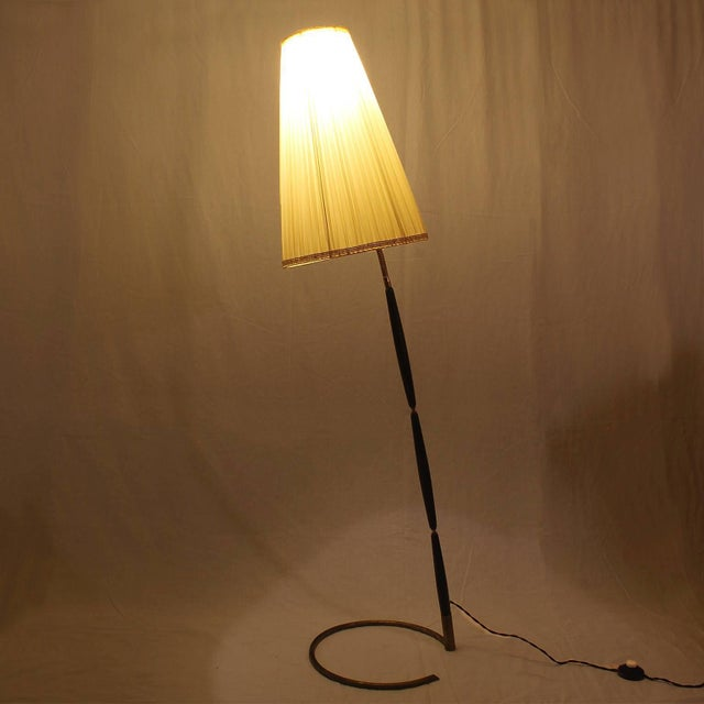 Black 1940´s Floor Lamp by Giuseppe Ostuni, stained mahogany, brass - Italy For Sale - Image 8 of 11