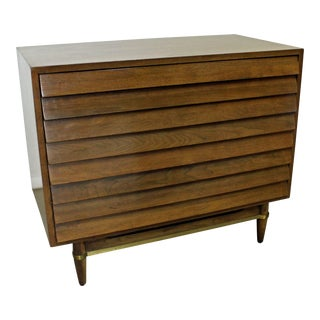 Mid-Century Modern American of Martinsville Merton Gershun Louvre Bachelor Chest For Sale