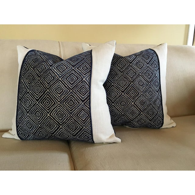 Robert Allen Blue & White Geometric Fabric Accent Pillow Covers - A Pair For Sale - Image 11 of 11