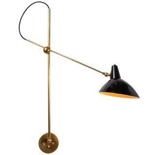 1950s Mid-Century Modern Gino Sarfatti for Arteluce Articulating Brass Wall Light For Sale