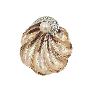 Boucher Shell Fur Clip, 1947 For Sale