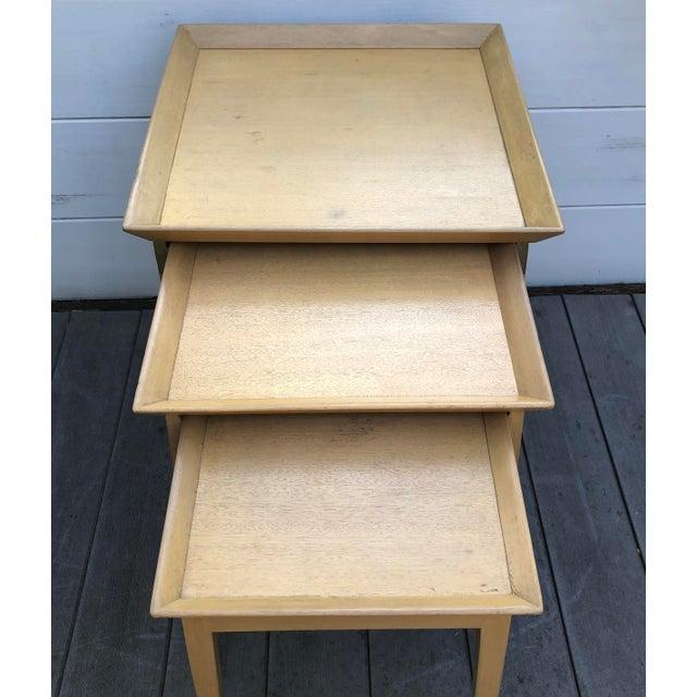 Art Deco 1950s Robsjohn-Gibbings for Widdicomb Stacking Side Tables - Set of 3 For Sale - Image 3 of 12
