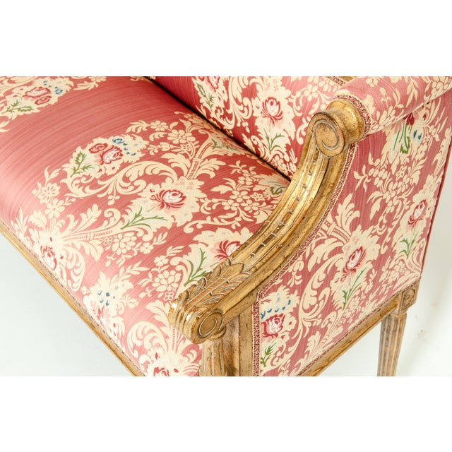 French Louis XVI Style Giltwood Frame Settee For Sale In New York - Image 6 of 13