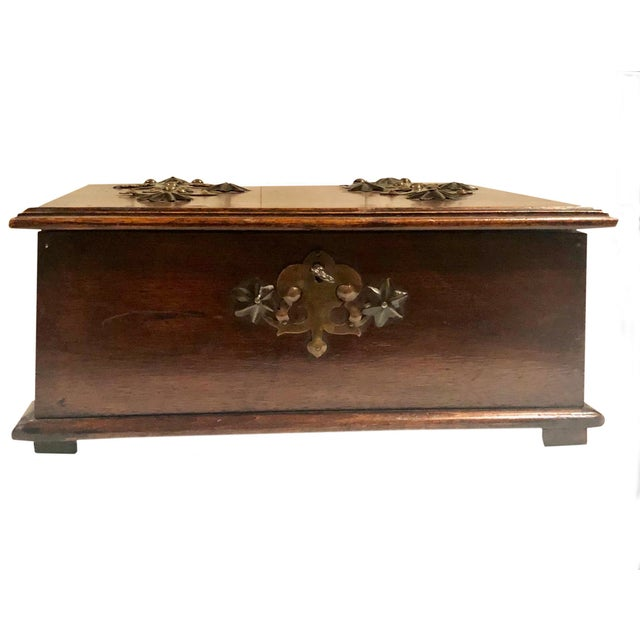 Traditional Antique Turn of the Century German Walnut Box For Sale - Image 3 of 10