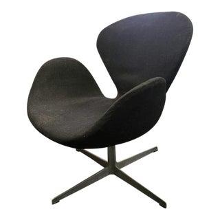 Danish Mid-Century Modern Arne Jacobsen for Fritz Hansen Black Swan Chair For Sale