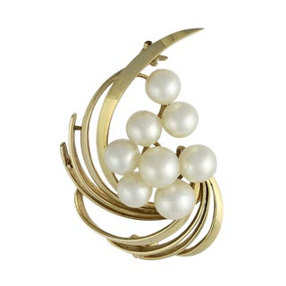 Vintage Mikimoto 14k Gold and Cultured Pearl Brooch For Sale