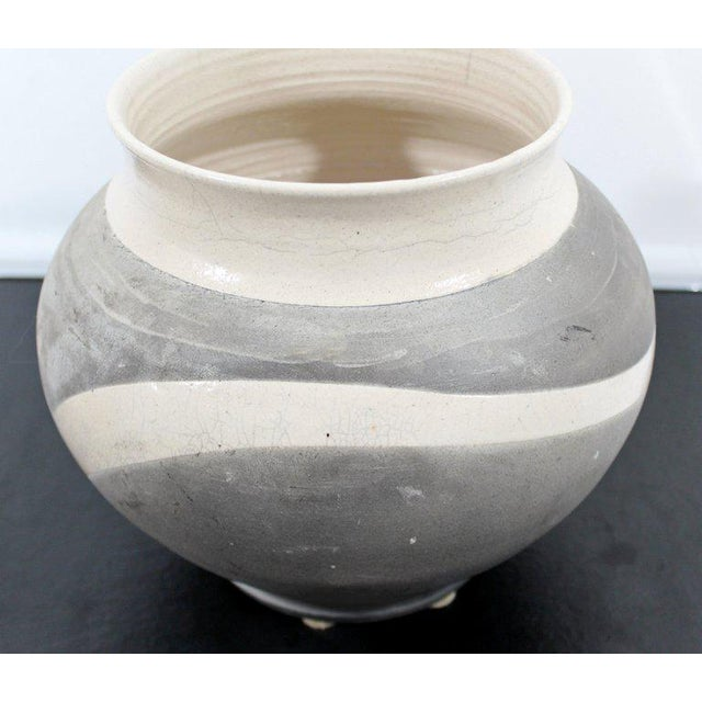 Contemporary Robert Kidd Signed Dated Raku Ceramic Pottery, 1986 For Sale In Detroit - Image 6 of 9