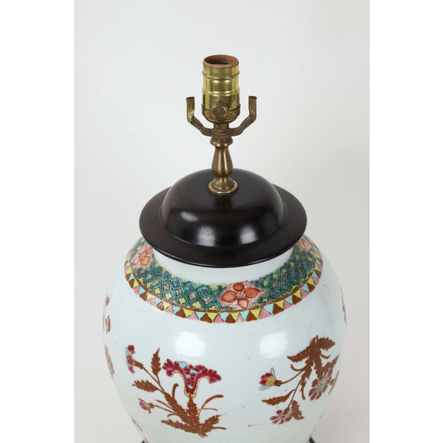 19th Century Famille Rose Temple Jar Lamp With Wooden Jar Cover For Sale - Image 4 of 6