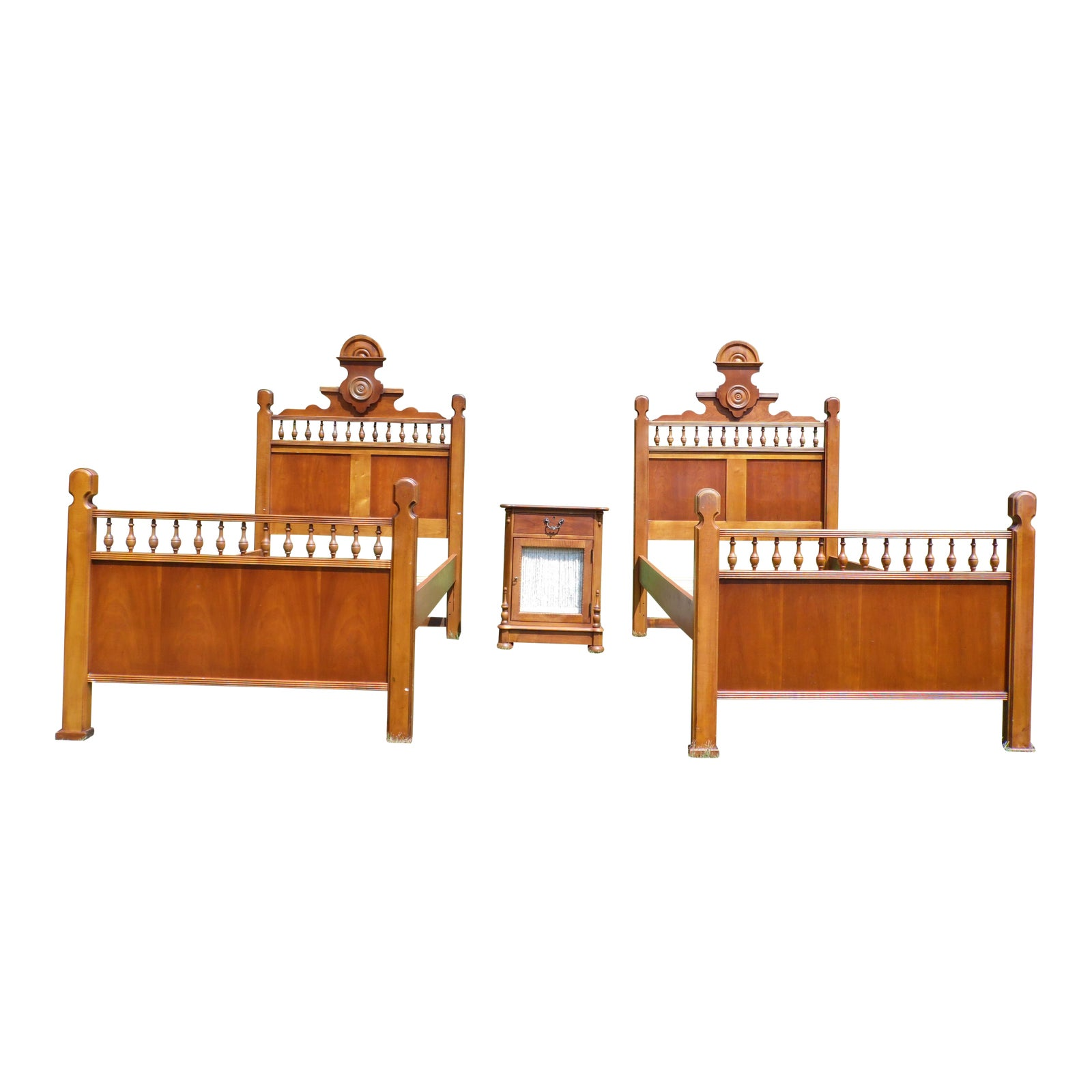 Vintage Lexington Betsy Cameron Victorian Bedroom Set Pair Twin