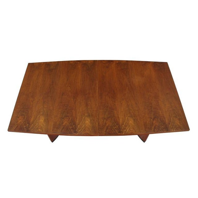 3e3a67b73ab2 Very Nice Mid-Century Modern Walnut Dining Table with Two Extension Leaves  For Sale In