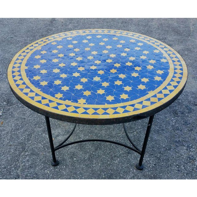 "Arts & Crafts Moroccan Blue / Yellow Mosaic Top Wrought Iron 32"" Table For Sale - Image 3 of 7"