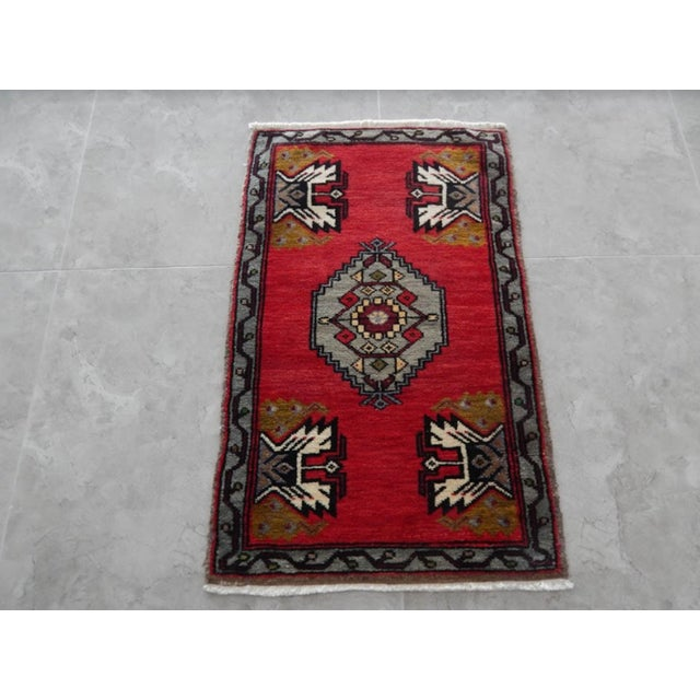 Vintage Small Miniature Turkish Rug 20.8'' X 33.1'' / 53x84cm Hand woven with high quality pure wool Excellent condition...