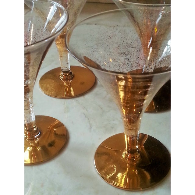Dorothy Thorpe Cocktail Glasses W/ Gold Flecks - 4 - Image 4 of 10