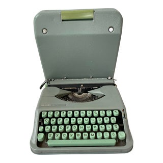 Mid-Century Aqua Hermès Rocket Manual Typewriter with Case (Made in Zwitzerland)) For Sale