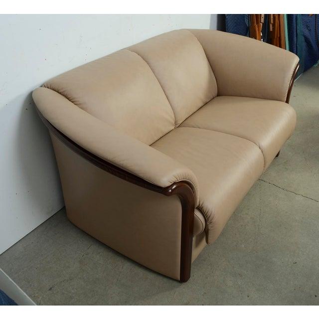 Modern Leather Ekornes Stressless Settee Sofa | Chairish