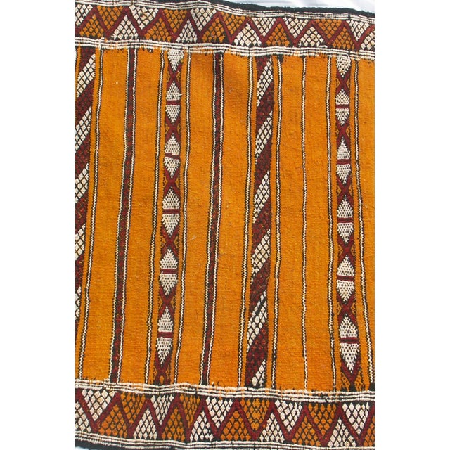 "Moroccan Berber Tribal Kilim Rug - 2' 11"" x 4' 7"" - Image 4 of 4"