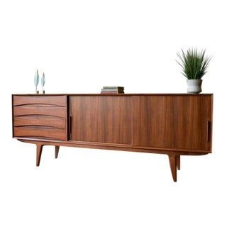 Extra Long Mid Century Modern Teak Sideboard / Credenza For Sale