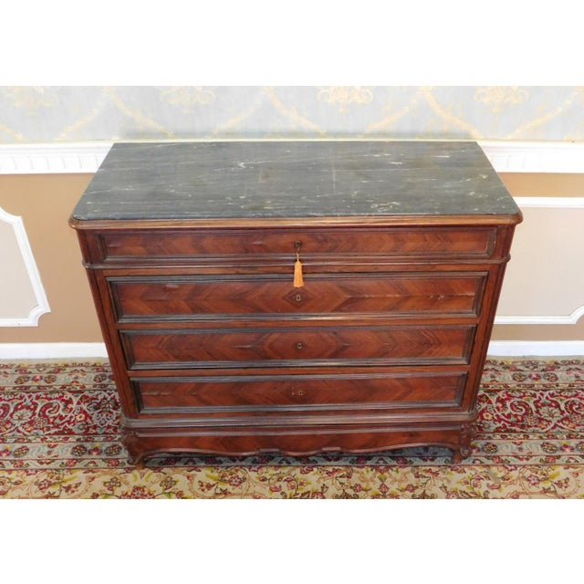 Antique Carved French Directoire Style Black Marble Top Walnut 5 Drawer Chest c1890 For Sale - Image 4 of 11
