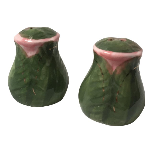 Hand Painted Rose Bud Salt and Pepper Shakers For Sale