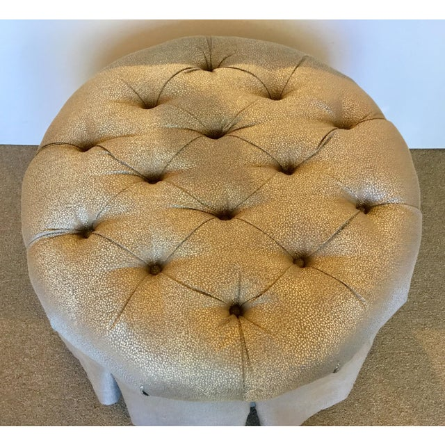 Modern Kincaid Modern Gray and Gold Round Tufted Ottoman For Sale - Image 3 of 5