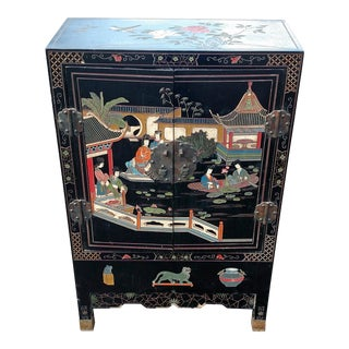 1950s Chinoiserie Black Lacquered Scenic Liquor Bar Cabinet For Sale
