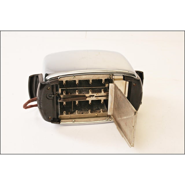 Vintage Chrome Toastmaster Toaster with Bakelite Handles - Image 9 of 10
