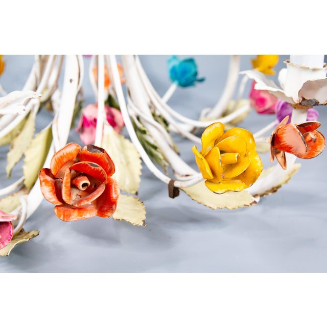 Farmhouse Vintage Mid-Century Italian Tole Roses Five Arm Chandelier For Sale - Image 3 of 9