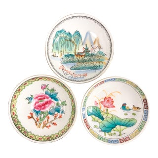 Mid 20th Century Chinoiserie Porcelain Mini Plates - Set of 3 For Sale