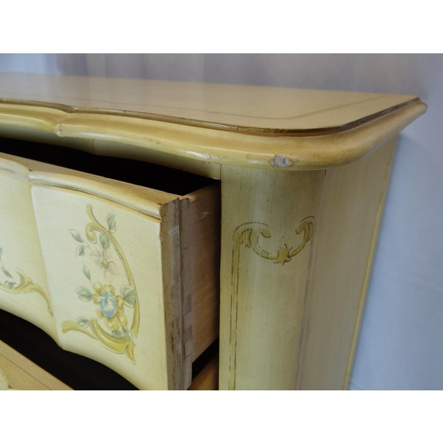 1940s Vintage Heritage French Provincial Style Dresser For Sale In Tampa - Image 6 of 10