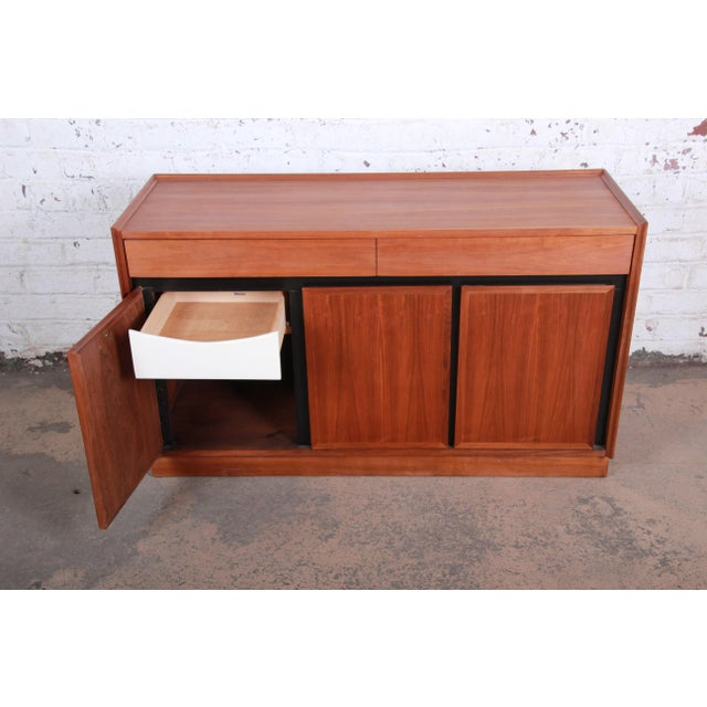 Black Merton Gershun for Dillingham Mid-Century Modern Walnut Sideboard Credenza For Sale - Image 8 of 11