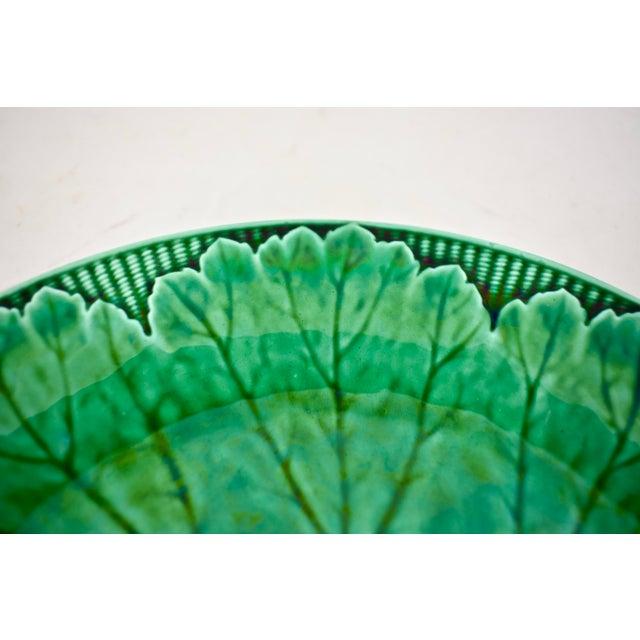 English Wedgwood Majolica Green Glazed Cabbage Leaf & Basket Plate For Sale - Image 3 of 12