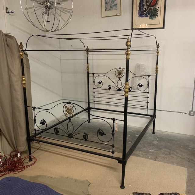 Traditional 19th Century Victorian Brass and Iron King Bedframe For Sale - Image 3 of 13