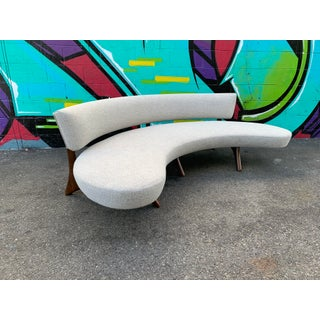 Attributed Vladimir Kagan Floating Curved Sofa Preview