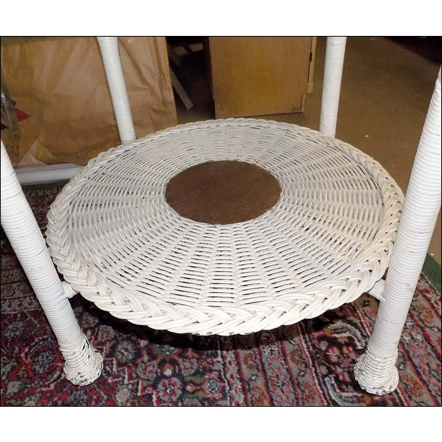 Beautiful white wicker round table. Probably about 100+ years old. Has the quality and manufacture of Heywood-Wakefield...