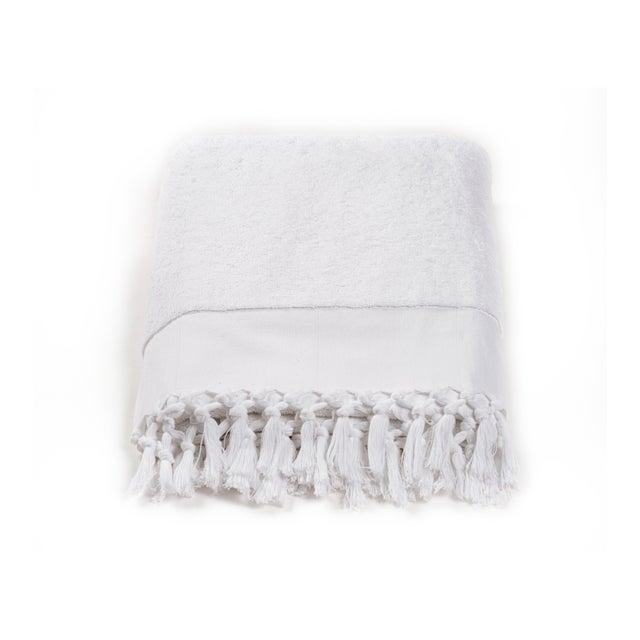 Modern Plush & Bare Handmade Organic Cotton Bath Towel in White For Sale - Image 3 of 9