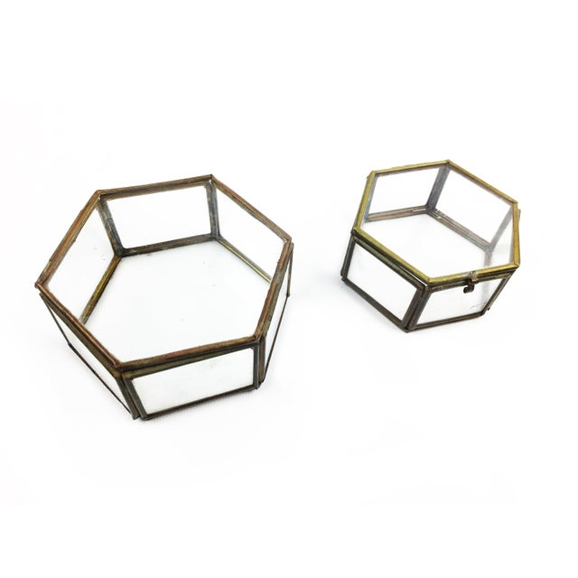 Vintage Mid Century Geometric Hexagon Glass and Brass Display Cases / Boxes - Set of 2 For Sale - Image 4 of 4