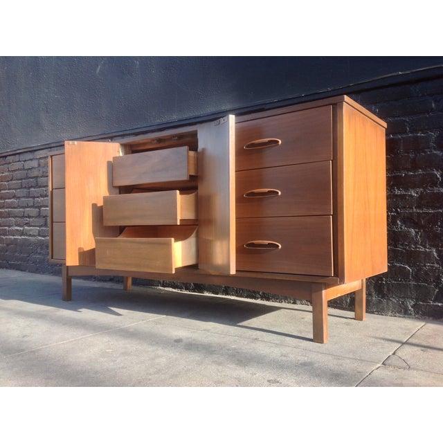 1960's American Mid-Century Dresser - Image 4 of 8