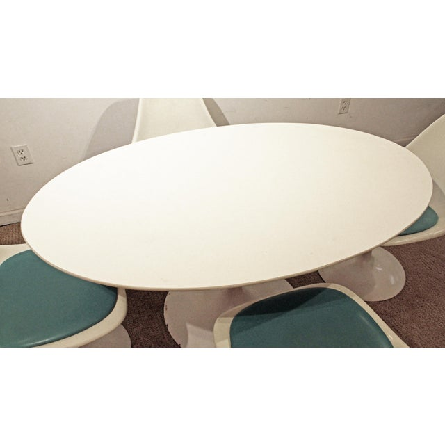 Contemporary Shells Inc. Mid-Century Modern Eero Saarinen-Style Tulip Dining Set 4 Chairs & Table For Sale - Image 4 of 11