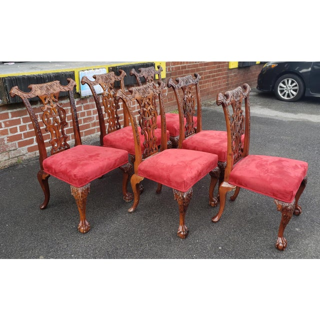 1980s Vintage Heavily Carved Mahogany Chippendale Style Dining Room Side Chairs- Set of 6 For Sale In New York - Image 6 of 13