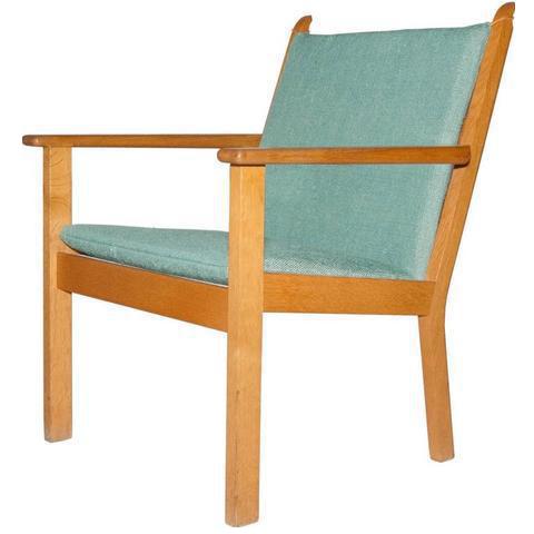 Hans J. Wegner For GETAMA Oak Lounge Chair