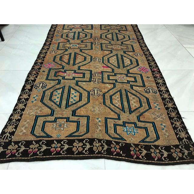 Turkish Bohemian Vintage Floor Kilim Rug - 4′9″ × 9′1″ For Sale - Image 6 of 11