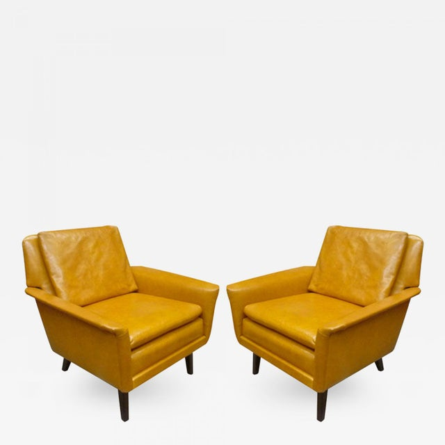 Mid-Century Modern Folke Ohlsson for Fritz Hansen Comfortable Pair of Lounge Chairs For Sale - Image 3 of 3