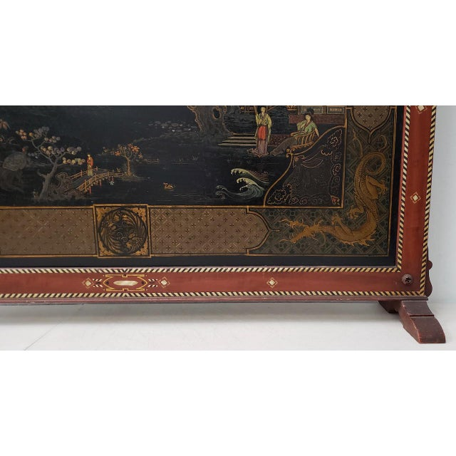 Vintage Chinese Carved & Painted Fire Screen C.1940s For Sale In San Francisco - Image 6 of 11