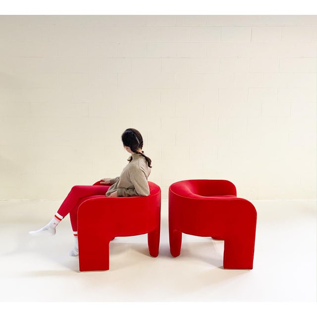 Vladimir Kagan knew how to design dramatic show-stoppers. We love these one-of-a-kind three-legged sculptural chairs,...