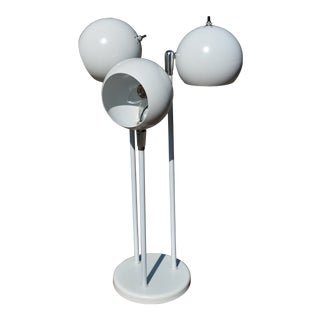Mid-Century Modern White Metal & Chrome Tall Triple Orb Eyeball Table Lamp For Sale